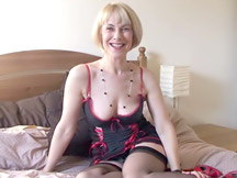 Mature stockings girl is sexy